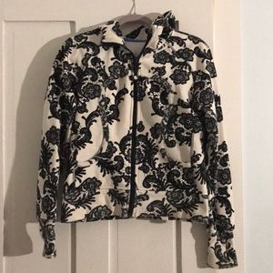 Lululemon scuba hoodie size 8 retired print